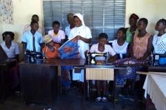 Benin, szkola krawiecka i praca przy kukurydzy